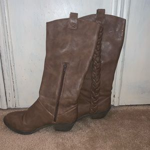Shoes - Light brown boots